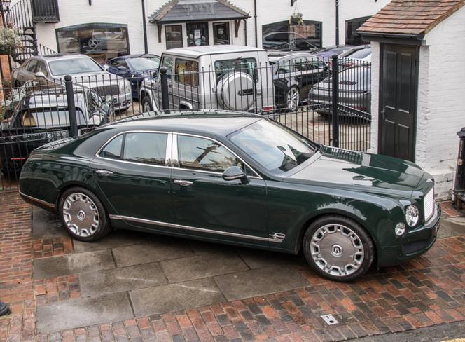 Gf Qtuy Bwdx Vlbt Krolewski Bentley Mulsanne Na Sprzedaz 664x0 Nocrop