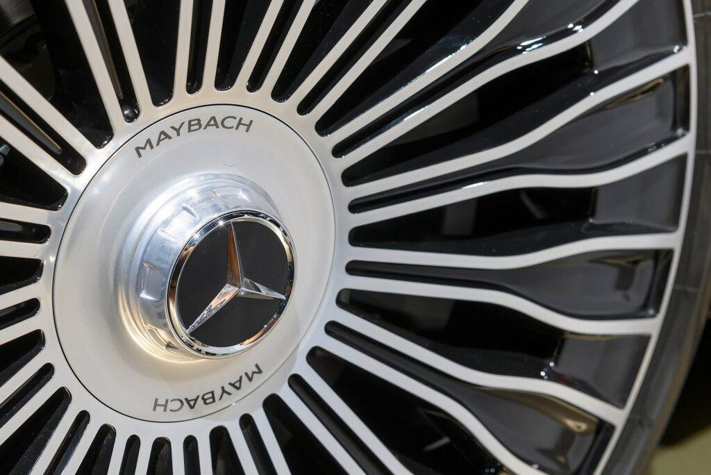 Mercedes Klasy S Maybach 32